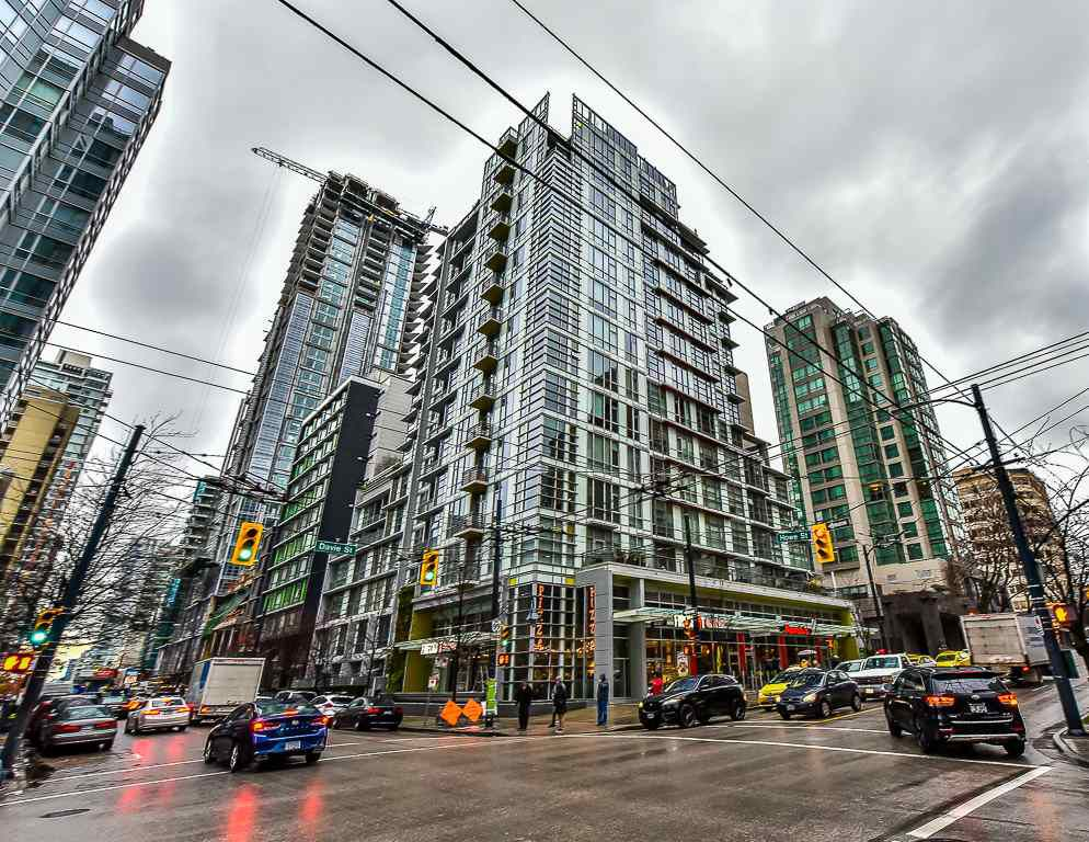 "Main Photo: 906 1205 HOWE Street in Vancouver: Downtown VW Condo for sale in ""THE ALTO"" (Vancouver West)  : MLS®# R2203489"
