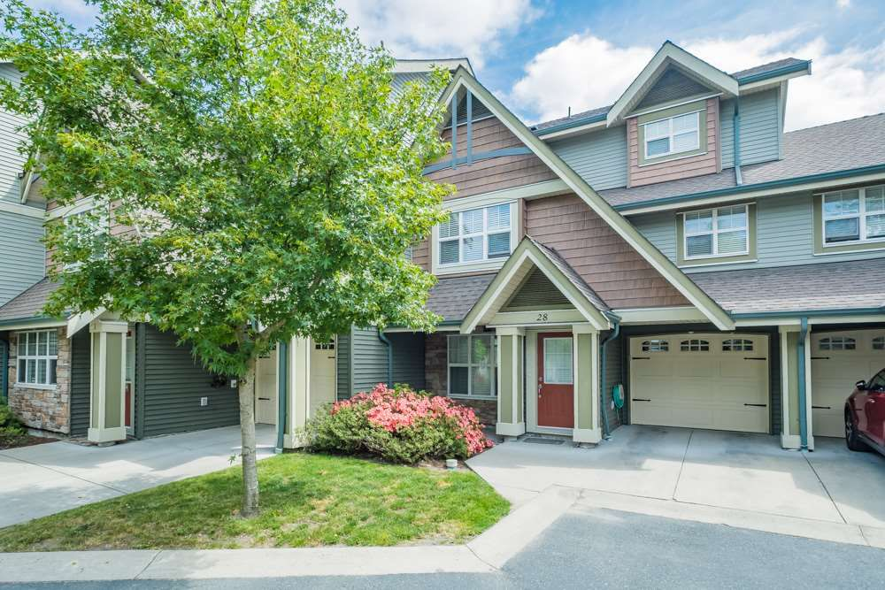 Main Photo: 28 22977 116 Avenue in Maple Ridge: East Central Townhouse for sale : MLS®# R2260449