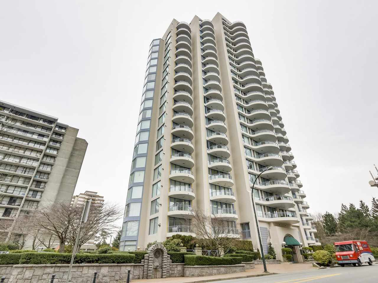 "Main Photo: 302 719 PRINCESS Street in New Westminster: Uptown NW Condo for sale in ""STIRLING PLACE"" : MLS®# R2344844"