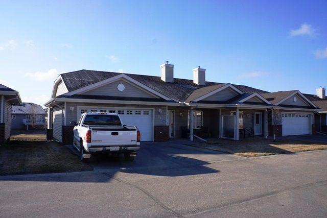 Main Photo: 98 8602 SOUTHFORT Drive: Fort Saskatchewan House Half Duplex for sale : MLS®# E4154188
