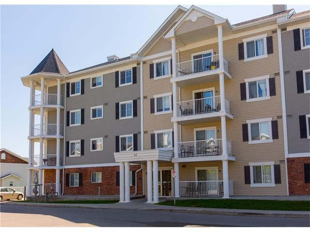 Main Photo:  in Calgary: Condo for sale : MLS®# C4088637