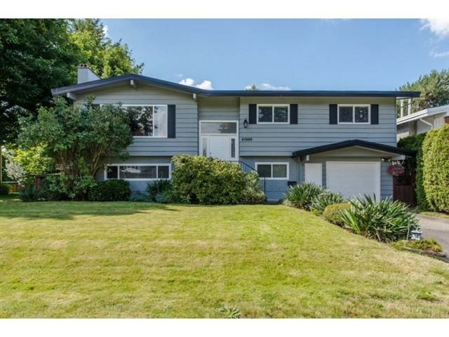 Main Photo: 45889 LAKE Drive in Sardis: Sardis East Vedder Rd House for sale : MLS®# R2147094