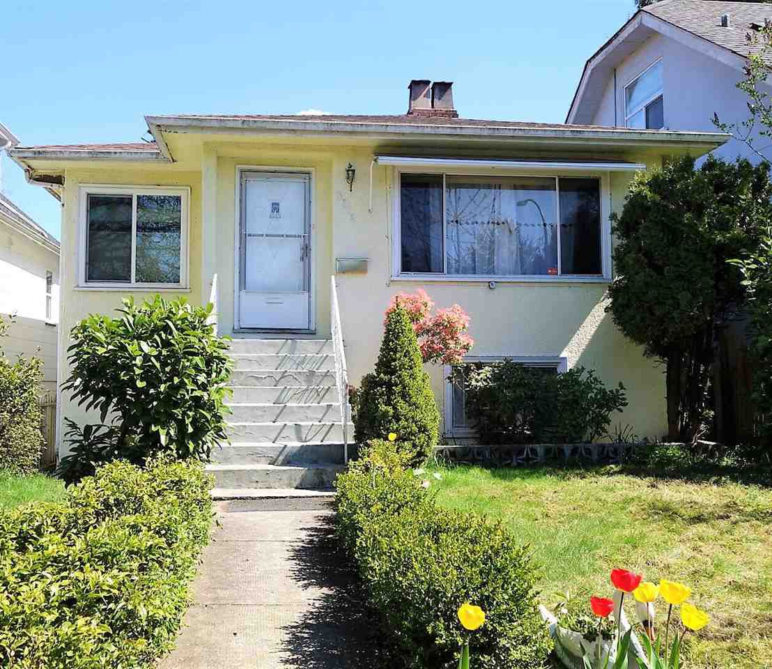 Main Photo: 3916 NOOTKA Street in Vancouver: Renfrew Heights House for sale (Vancouver East)  : MLS®# R2159405