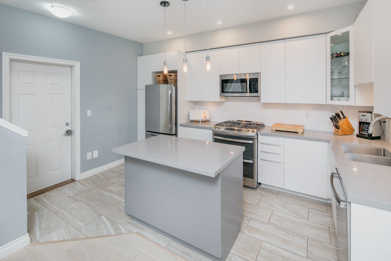 Main Photo: 2 11711 STEVESTON Highway in Richmond: Ironwood Townhouse for sale : MLS®# R2187367