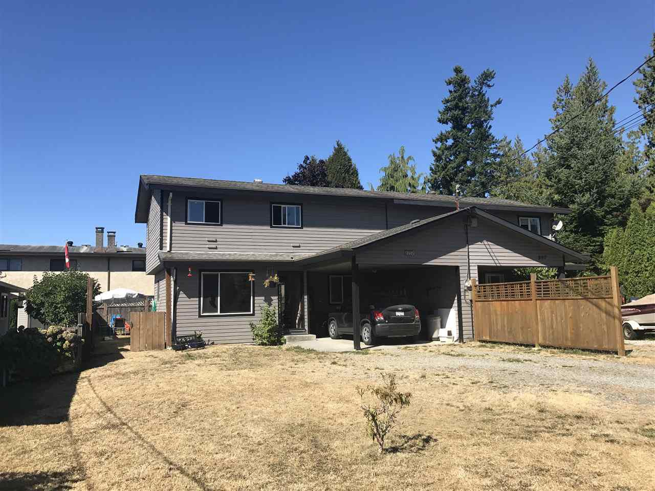 """Main Photo: 805 PLEASANT Place in Gibsons: Gibsons & Area House 1/2 Duplex for sale in """"Creekside"""" (Sunshine Coast)  : MLS®# R2202833"""