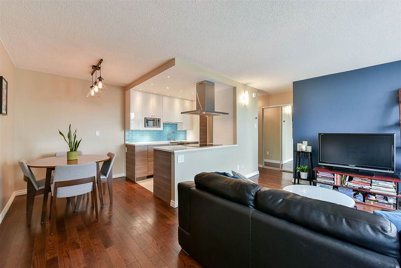 "Main Photo: 1405 1740 COMOX Street in Vancouver: West End VW Condo for sale in ""SANDPIPER"" (Vancouver West)  : MLS®# R2203716"