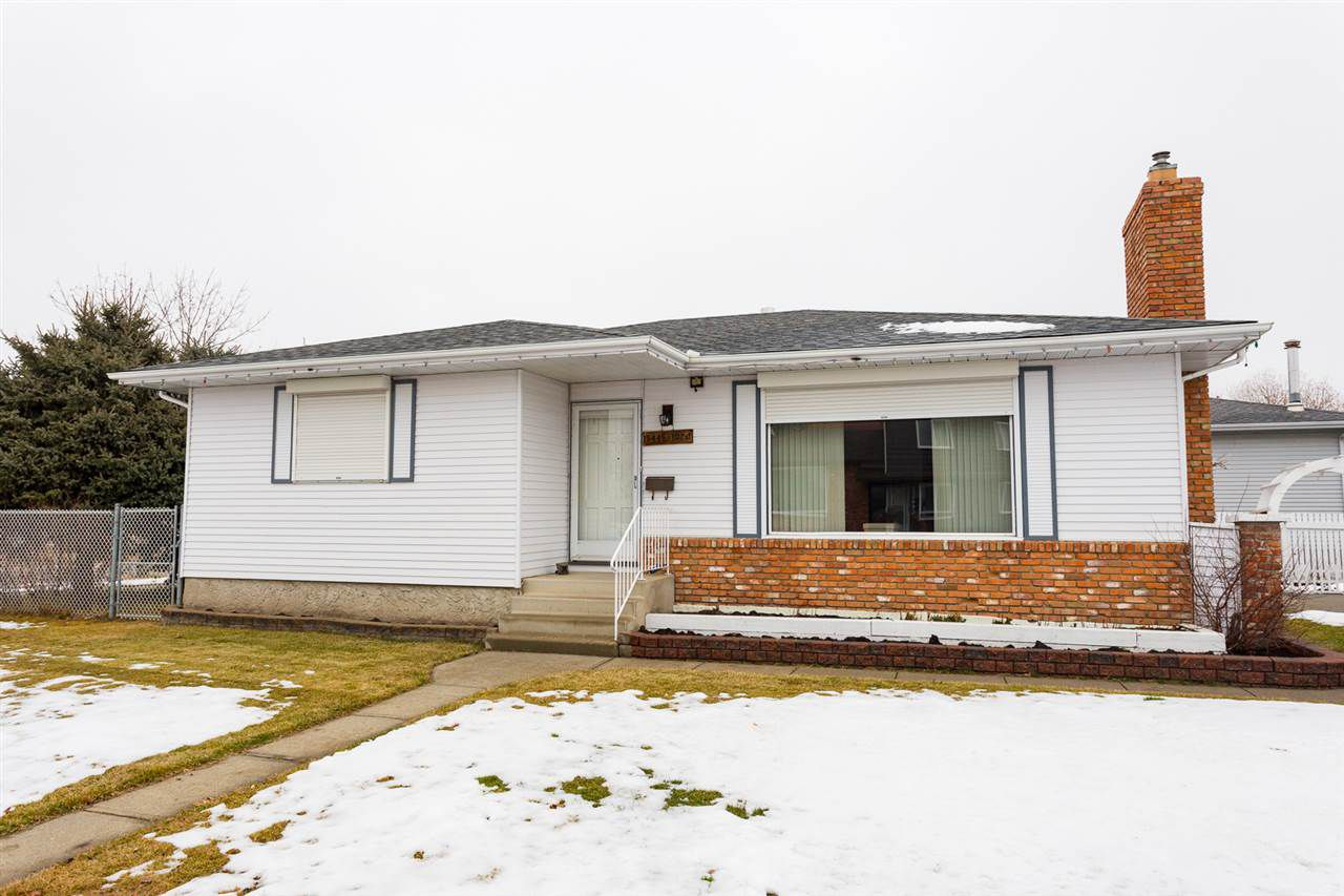 Main Photo: 15445 102 Street in Edmonton: Zone 27 House for sale : MLS®# E4129702