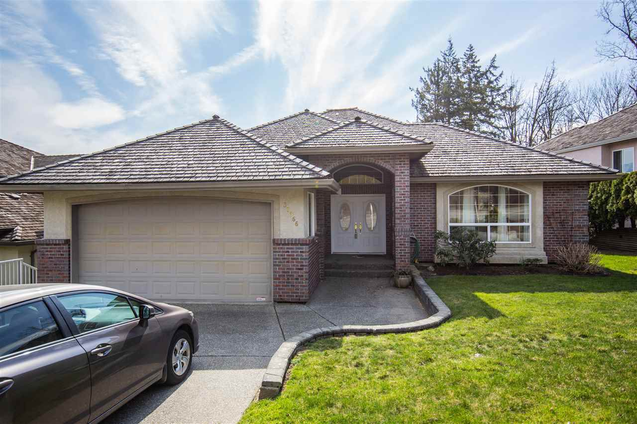 Main Photo: 35966 MARSHALL Road in Abbotsford: Abbotsford East House for sale : MLS®# R2340926