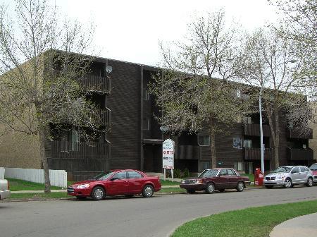Main Photo: RIVER VALLEY APARTMENTS - 27 Suite Walk Up plus Bonus Office Unit