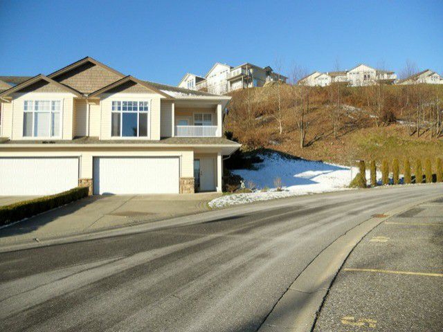 Main Photo: 56 8590 Sunrise Drive in Chilliwack: Townhouse for sale : MLS®# H1300151