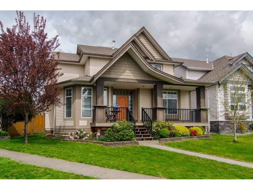 Main Photo: 16435 59A Avenue in Surrey: Cloverdale BC House for sale (Cloverdale)  : MLS®# R2158481