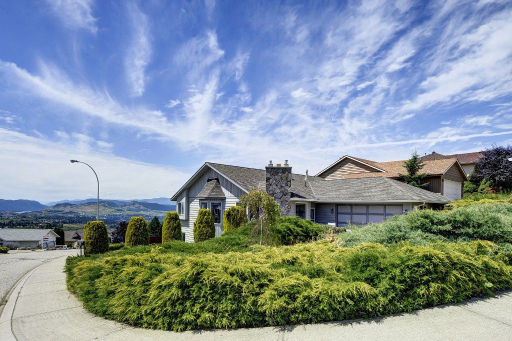 Main Photo: 101 Whistler Place in Vernon: Foothills House for sale (North Okanagan)
