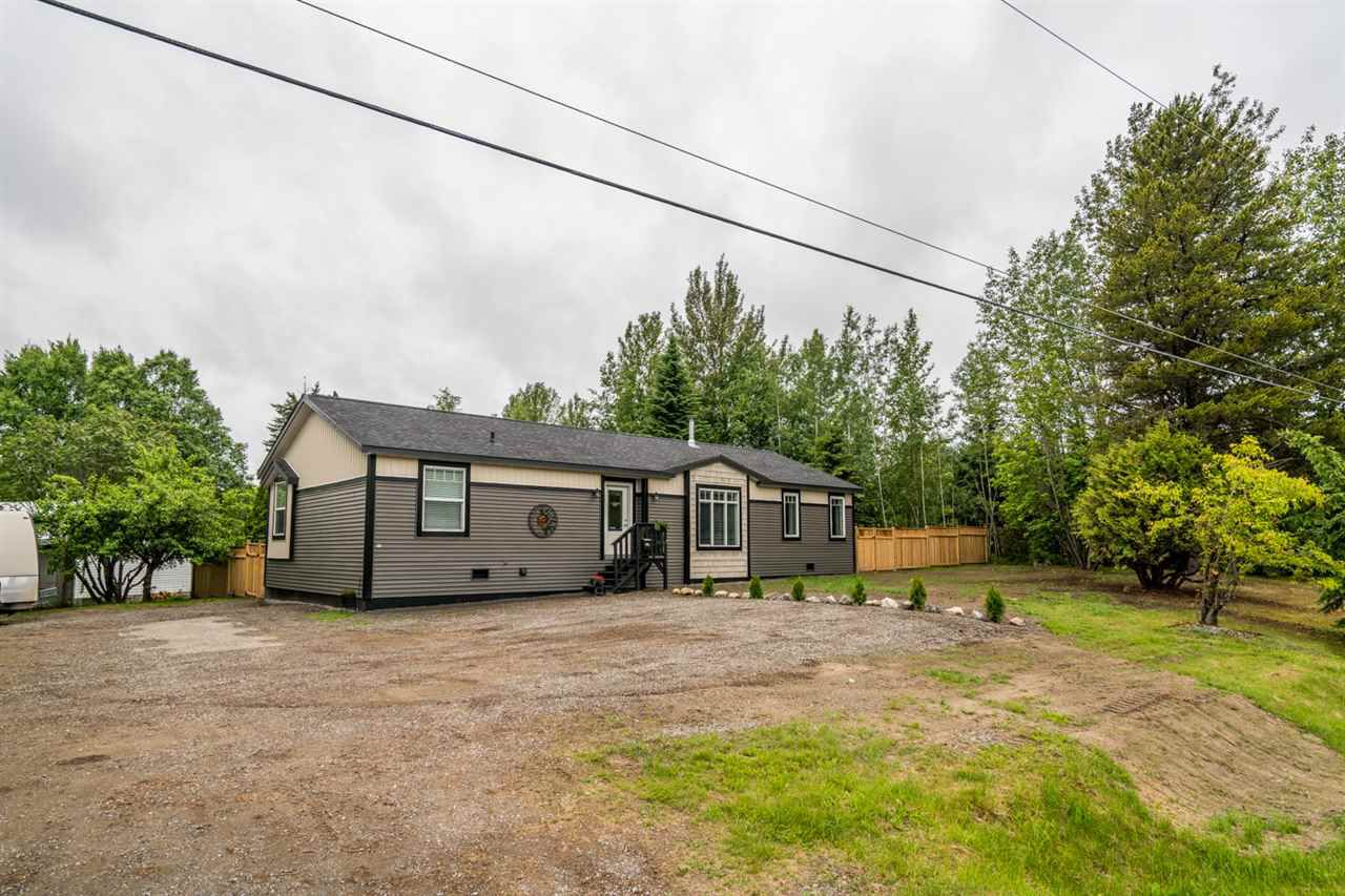 """Main Photo: 4011 BALSUM Road in Prince George: Birchwood Manufactured Home for sale in """"HART"""" (PG City North (Zone 73))  : MLS®# R2180574"""