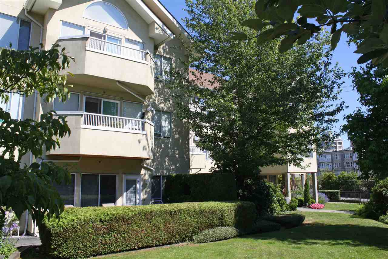 "Main Photo: 204 5626 LARCH Street in Vancouver: Kerrisdale Condo for sale in ""WILSON HOUSE"" (Vancouver West)  : MLS®# R2186356"