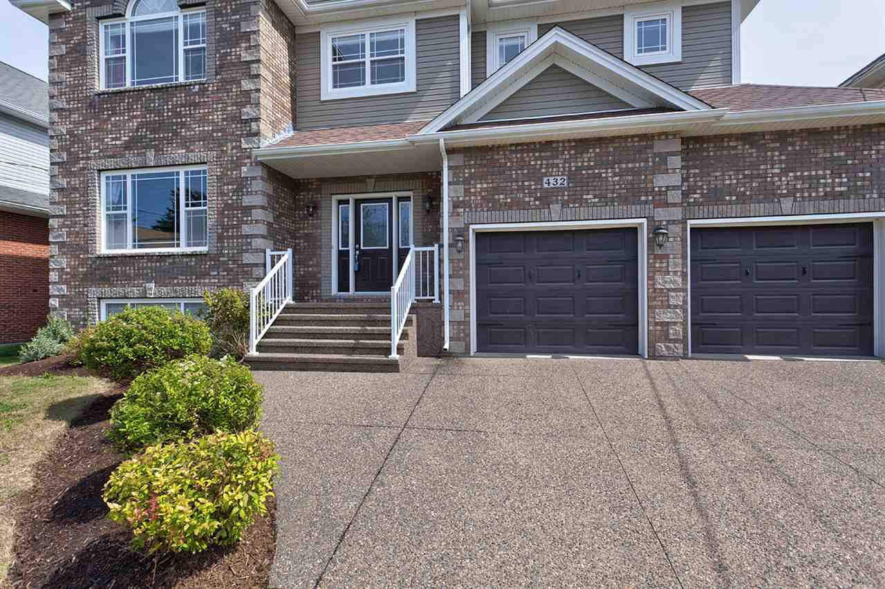 Photo 2: Photos: 432 Southgate Drive in Bedford: 20-Bedford Residential for sale (Halifax-Dartmouth)  : MLS®# 201722551