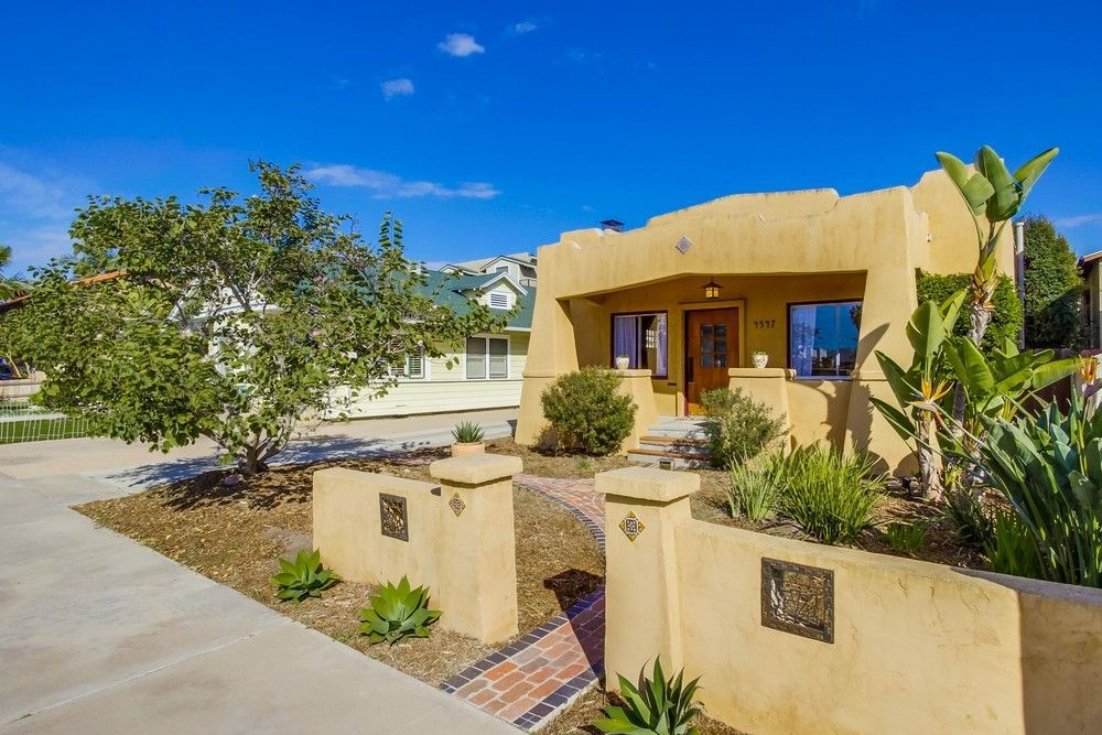 Main Photo: UNIVERSITY HEIGHTS House for sale : 3 bedrooms : 4547 Cleveland Ave in San Diego