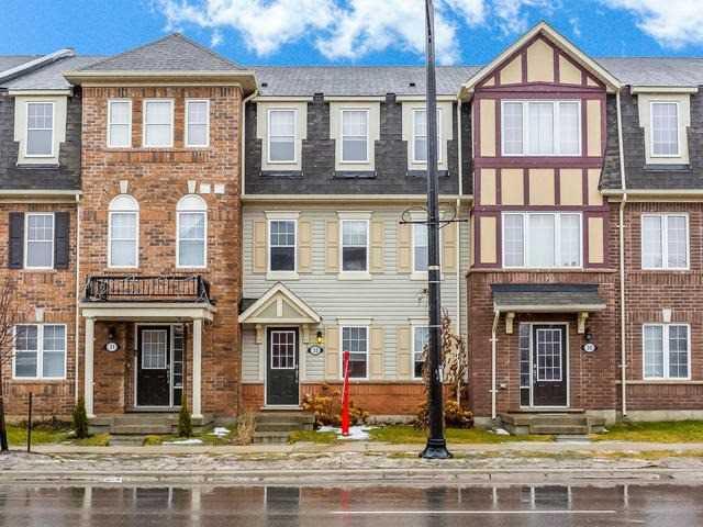 Main Photo: 33 Ganton Heights in Brampton: Northwest Brampton House (3-Storey) for sale : MLS®# W4048644