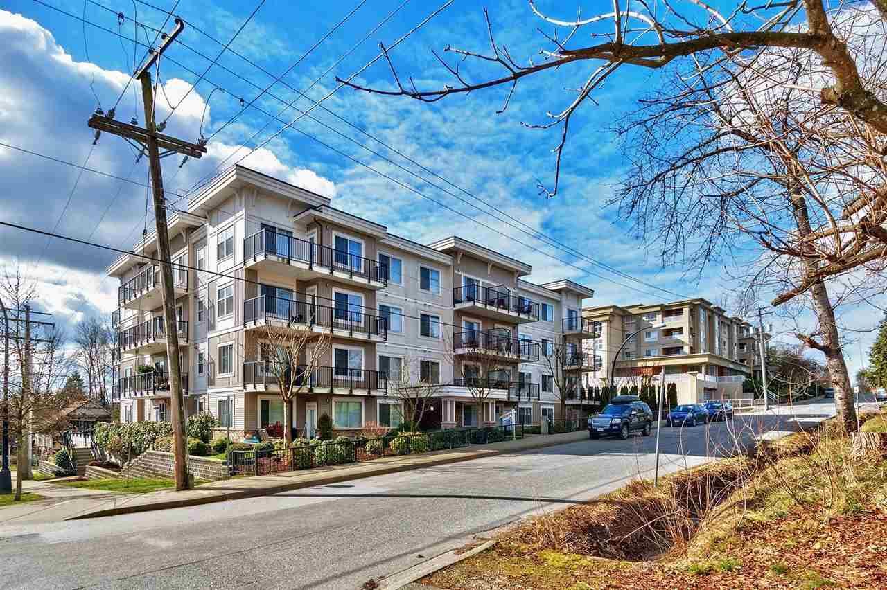"""Main Photo: 305 22290 NORTH Avenue in Maple Ridge: West Central Condo for sale in """"SOLO"""" : MLS®# R2246731"""