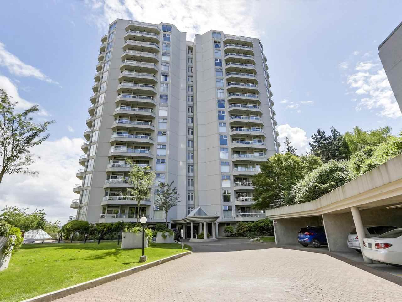 "Main Photo: 606 69 JAMIESON Court in New Westminster: Fraserview NW Condo for sale in ""PALACE QUAY"" : MLS®# R2274346"
