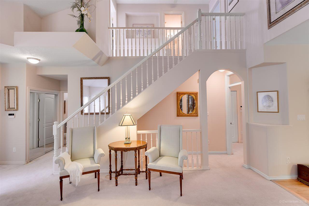 "Photo 4: Photos: 12 16920 80 Avenue in Surrey: Fleetwood Tynehead Townhouse for sale in ""STONE RIDGE"" : MLS®# R2286010"