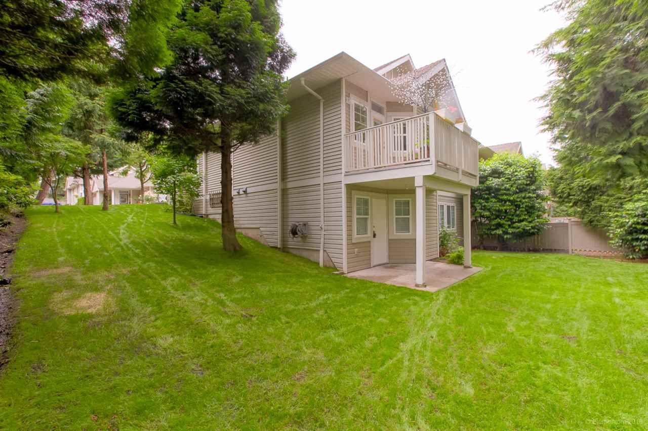 "Photo 19: Photos: 12 16920 80 Avenue in Surrey: Fleetwood Tynehead Townhouse for sale in ""STONE RIDGE"" : MLS®# R2286010"