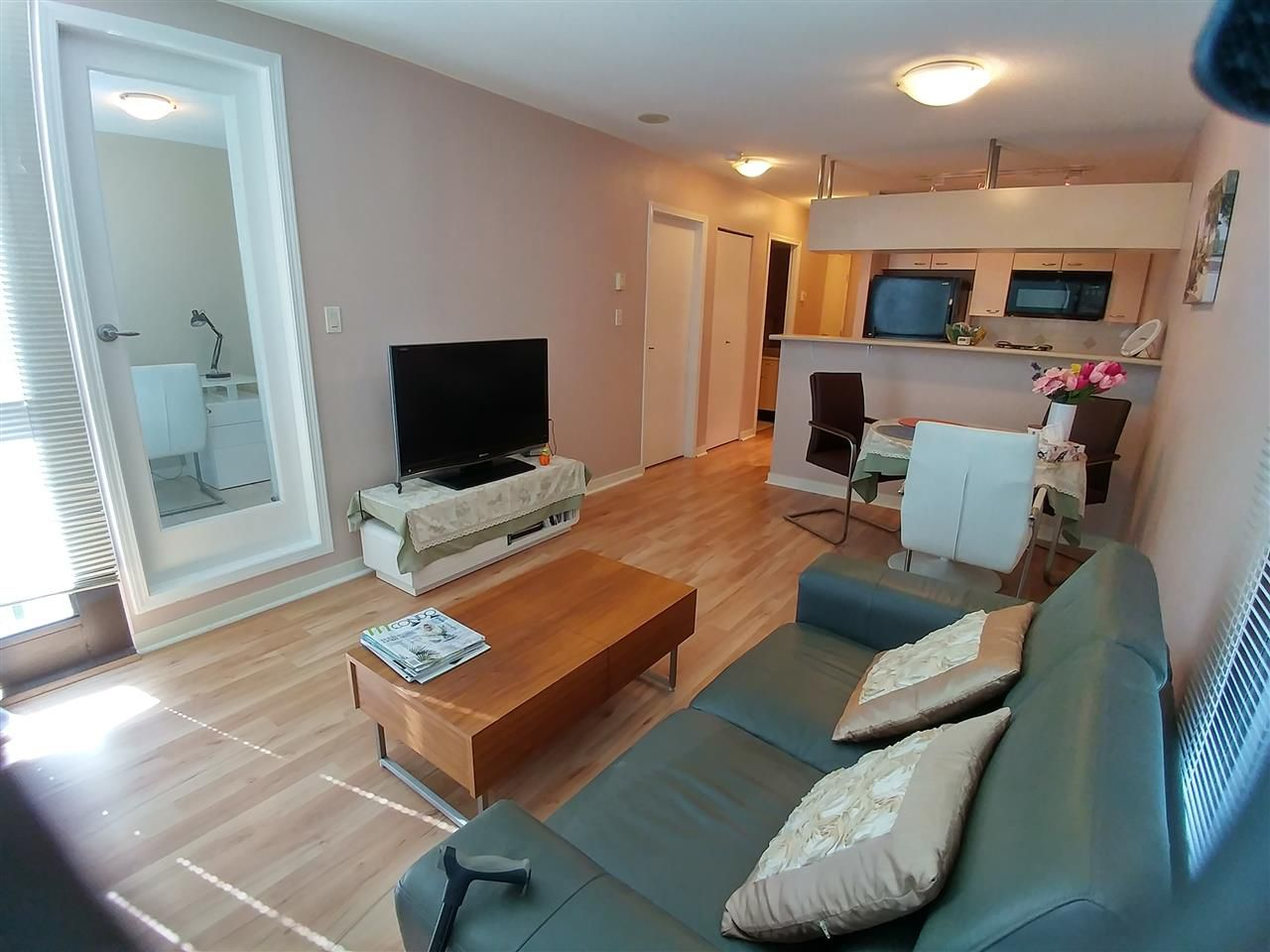 """Main Photo: 707 1367 ALBERNI Street in Vancouver: West End VW Condo for sale in """"THE LIONS"""" (Vancouver West)  : MLS®# R2305543"""