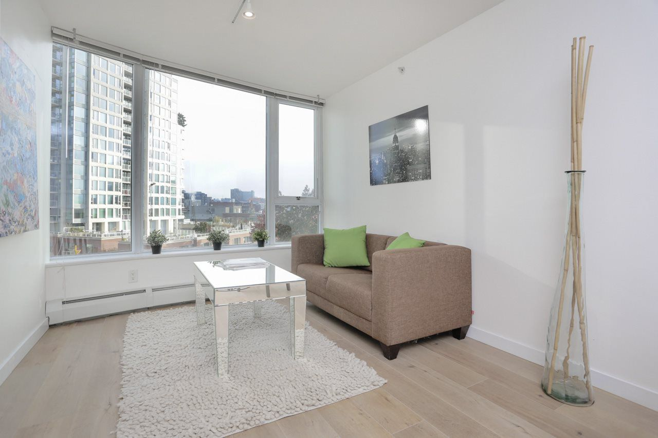 "Main Photo: 608 58 KEEFER Place in Vancouver: Downtown VW Condo for sale in ""FIRENZE"" (Vancouver West)  : MLS®# R2318810"