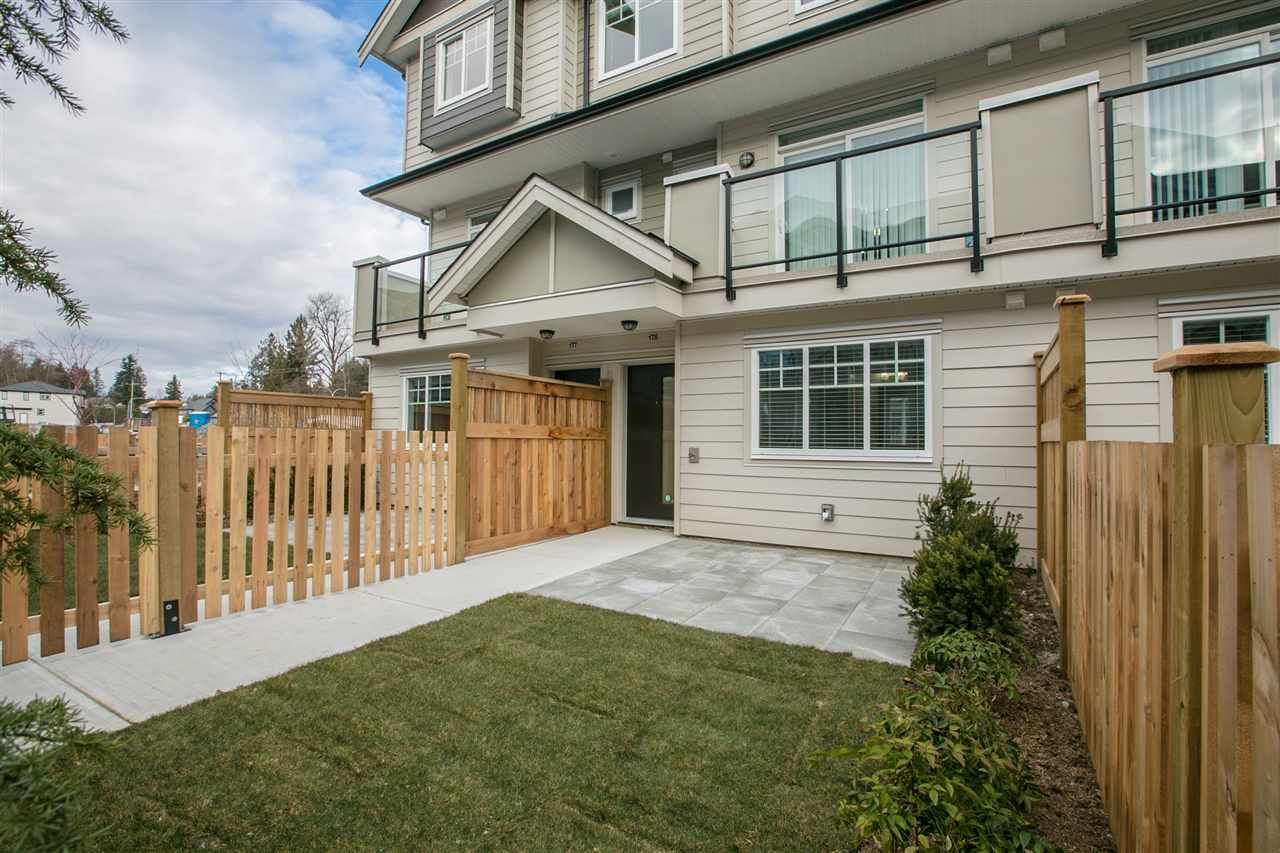 Main Photo: 178 13898 64 Avenue in Surrey: Sullivan Station Townhouse for sale : MLS®# R2340154