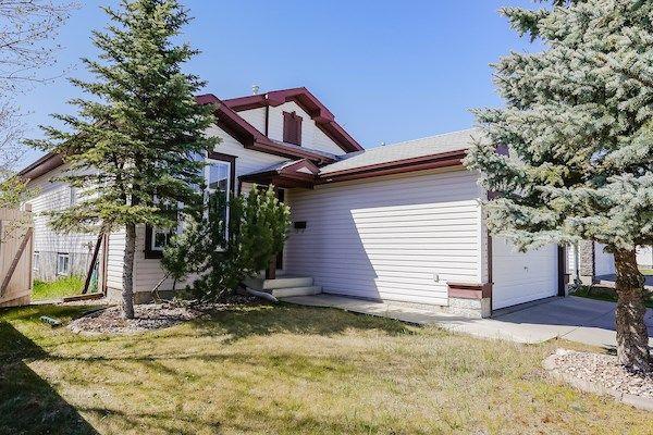 Main Photo: 903 BRECKENRIDGE Court in Edmonton: Zone 58 House for sale : MLS®# E4152949