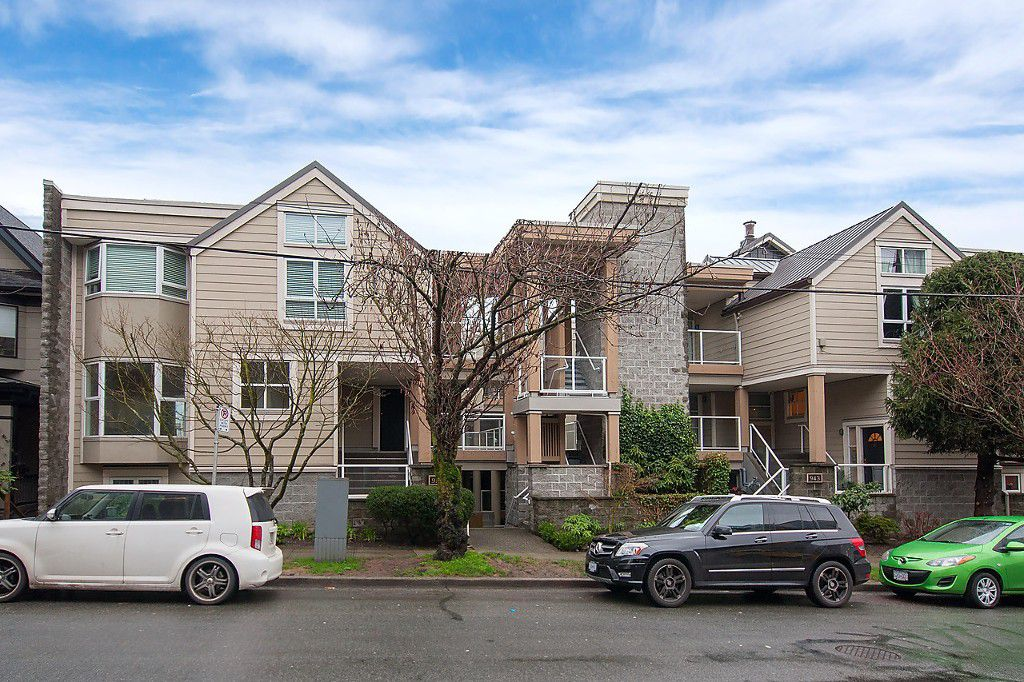 "Main Photo: 101 953 W 8TH Avenue in Vancouver: Fairview VW Townhouse for sale in ""SOUTHPORT"" (Vancouver West)  : MLS®# V1105092"