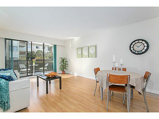 """Main Photo: 113 145 W 18TH Street in North Vancouver: Central Lonsdale Condo for sale in """"Tudor Court Apartments Ltd."""" : MLS®# V1111575"""