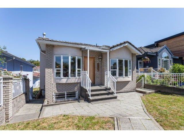 "Main Photo: 4766 KNIGHT Street in Vancouver: Knight House for sale in ""KNIGHT"" (Vancouver East)  : MLS®# V1128909"