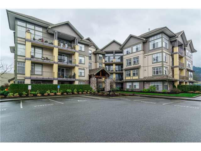 "Main Photo: 306B 45595 TAMIHI Way in Sardis: Vedder S Watson-Promontory Condo for sale in ""THE HARTFORD"" : MLS®# H2153401"