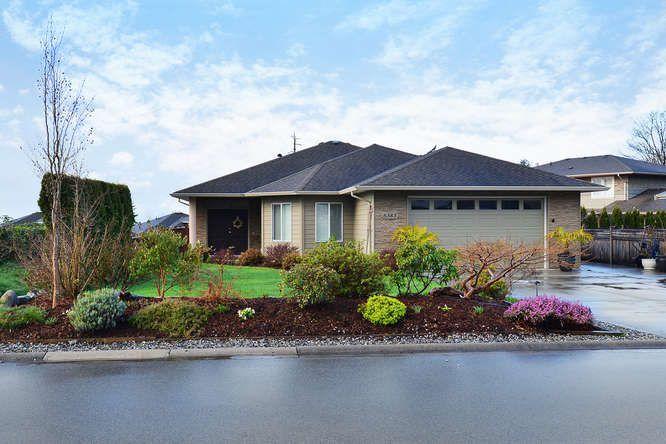 "Photo 1: Photos: 6383 SAMRON Road in Sechelt: Sechelt District House for sale in ""WEST SECHELT"" (Sunshine Coast)  : MLS®# R2049017"