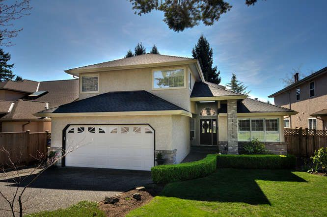"""Main Photo: 13950 LAUREL Avenue: White Rock House for sale in """"West White Rock"""" (South Surrey White Rock)  : MLS®# R2052284"""