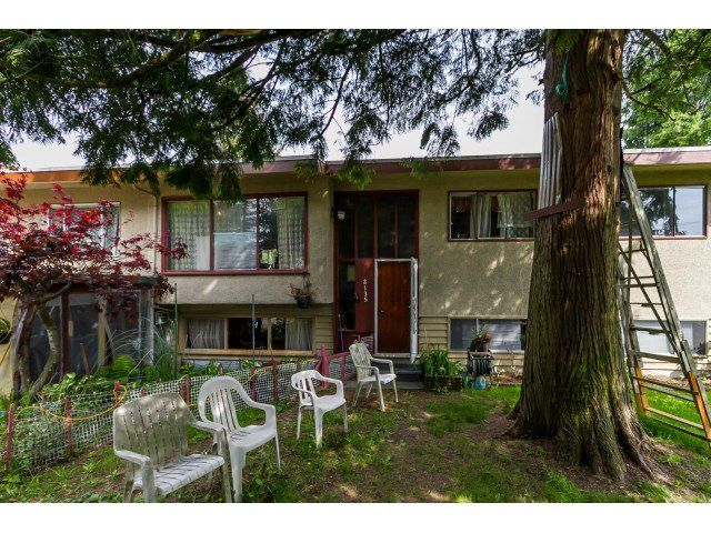 Main Photo: 2135 ELKHORN Avenue in Coquitlam: Central Coquitlam House for sale : MLS®# R2059735