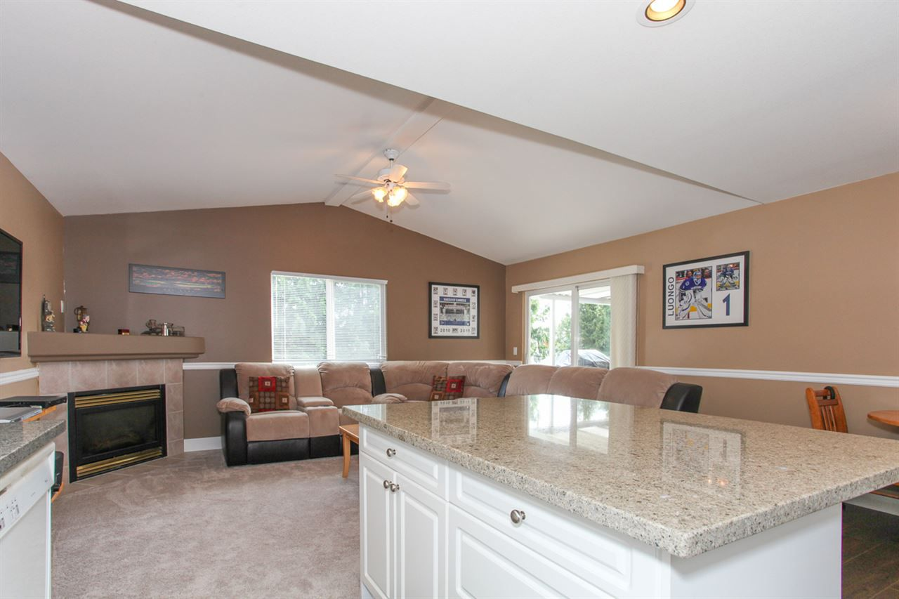 Photo 7: Photos: 23840 114A Avenue in Maple Ridge: Cottonwood MR House for sale : MLS®# R2090697