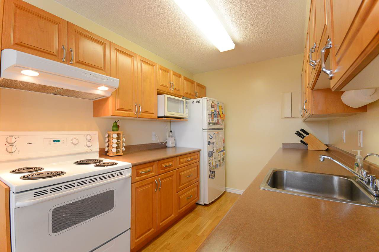 """Main Photo: 1907 5645 BARKER Avenue in Burnaby: Central Park BS Condo for sale in """"CENTRAL PARK PLACE"""" (Burnaby South)  : MLS®# R2093295"""