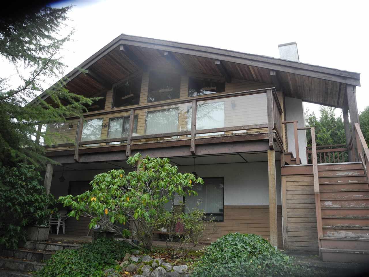 Main Photo: 6154 LOOKOUT Avenue in Sechelt: Sechelt District House for sale (Sunshine Coast)  : MLS®# R2241281