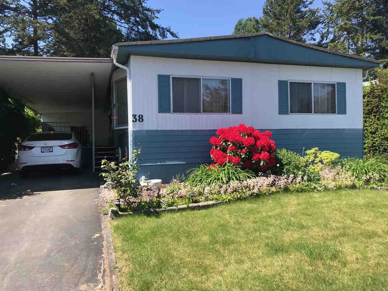 """Main Photo: 38 1840 160 Street in Surrey: King George Corridor Manufactured Home for sale in """"BREAKAWAY BAYS"""" (South Surrey White Rock)  : MLS®# R2271120"""