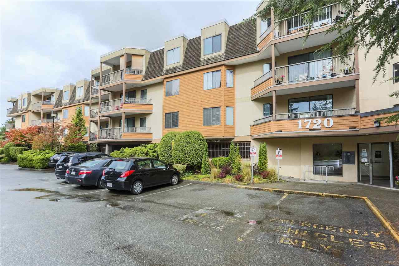 Main Photo: 206 1720 SOUTHMERE Crescent in Surrey: Sunnyside Park Surrey Condo for sale (South Surrey White Rock)  : MLS®# R2302799