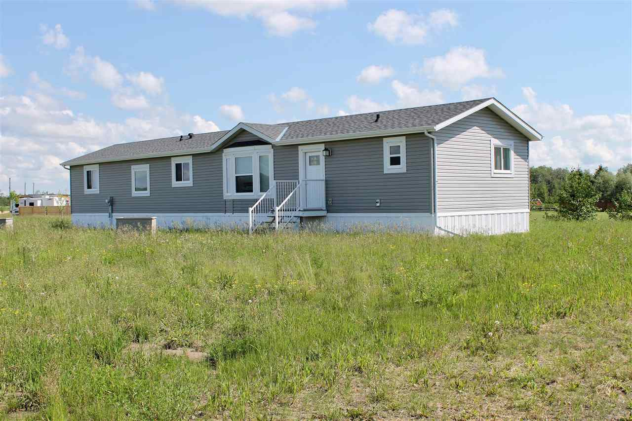 Main Photo: 1602 Parakeet Close: Rural Camrose County Manufactured Home for sale : MLS®# E4136551