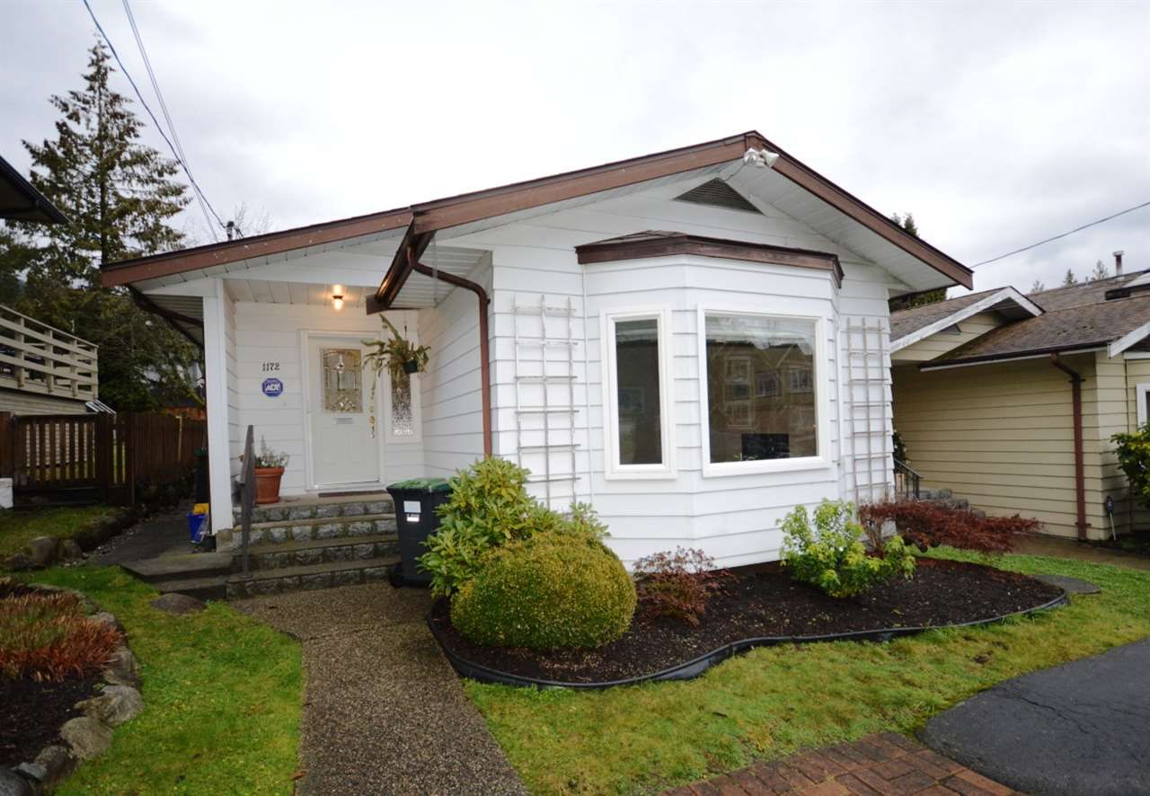 Main Photo: 1172 HAROLD Road in North Vancouver: Lynn Valley House for sale : MLS®# R2329546