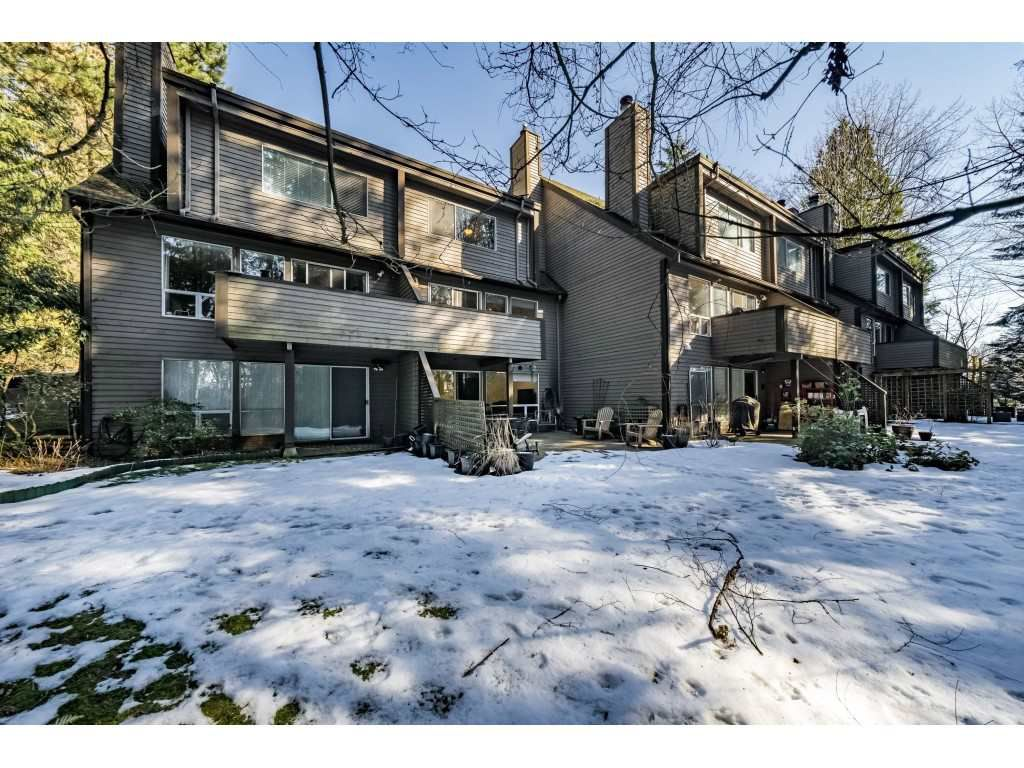"""Main Photo: 8202 FOREST GROVE Drive in Burnaby: Forest Hills BN Townhouse for sale in """"THE HENLEY ESTATE"""" (Burnaby North)  : MLS®# R2343454"""