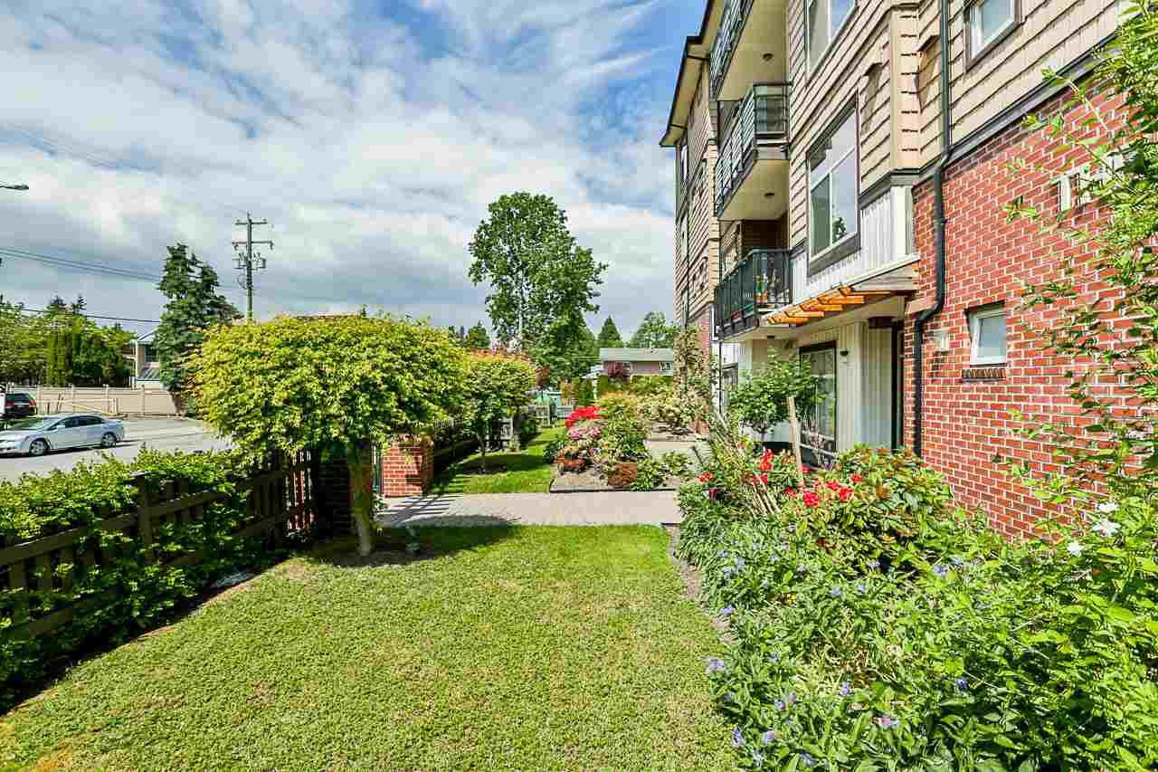 Main Photo: 312 8168 120A Street in Surrey: Queen Mary Park Surrey Condo for sale : MLS®# R2387012