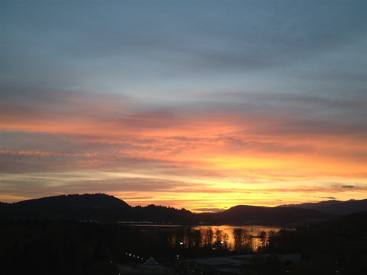 """Main Photo: 1702 235 GUILDFORD Way in Port Moody: North Shore Pt Moody Condo for sale in """"The Sinclair"""" : MLS®# R2191968"""