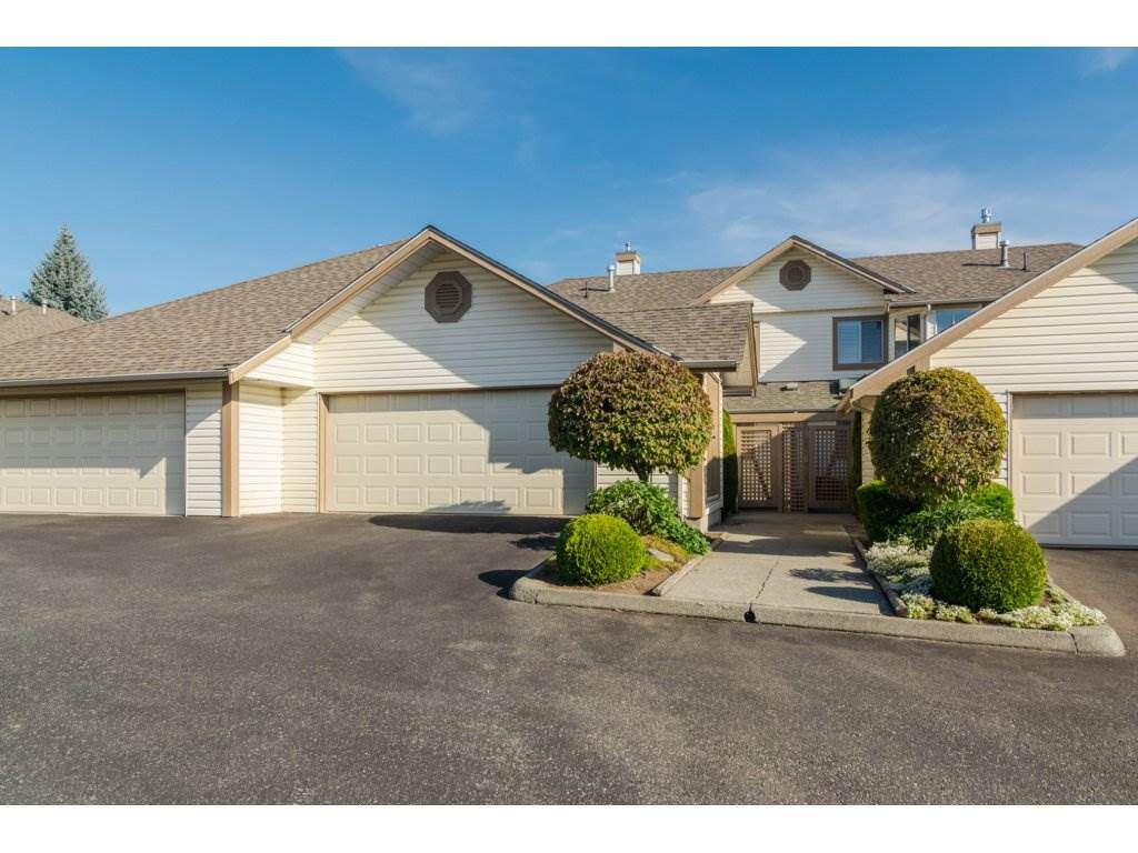 Main Photo: 48 6140 192 Street in Surrey: Cloverdale BC Townhouse for sale (Cloverdale)  : MLS®# R2198090