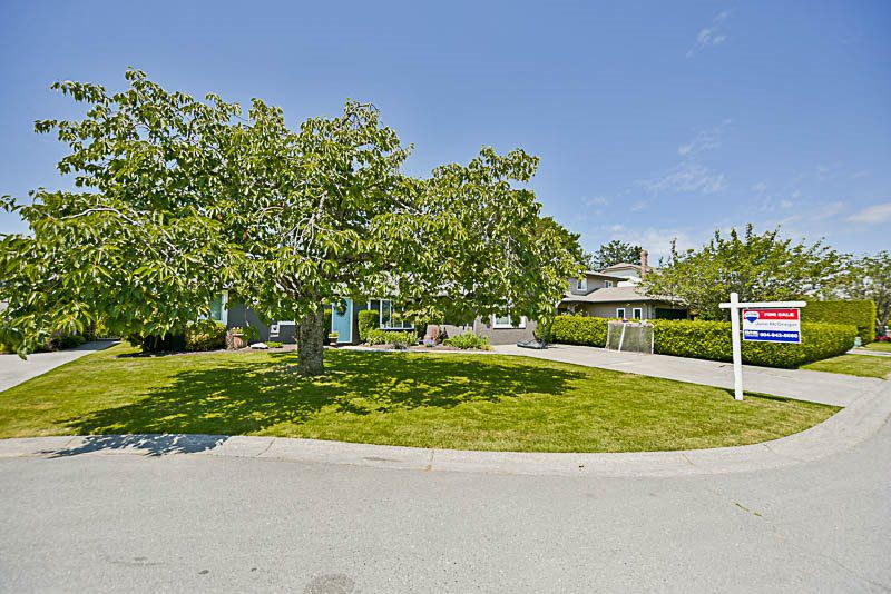 Main Photo: 4583 55A Street in Delta: Delta Manor House for sale (Ladner)  : MLS®# R2202960