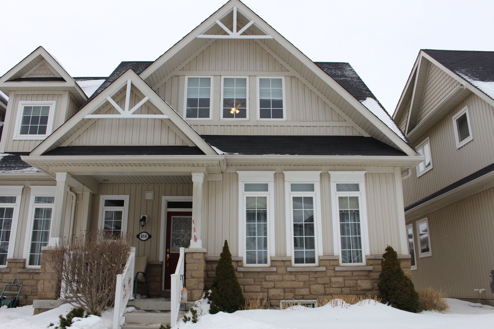 Main Photo: 814 Leslie Street in Cobourg: Residential Attached for sale : MLS®# 510851318