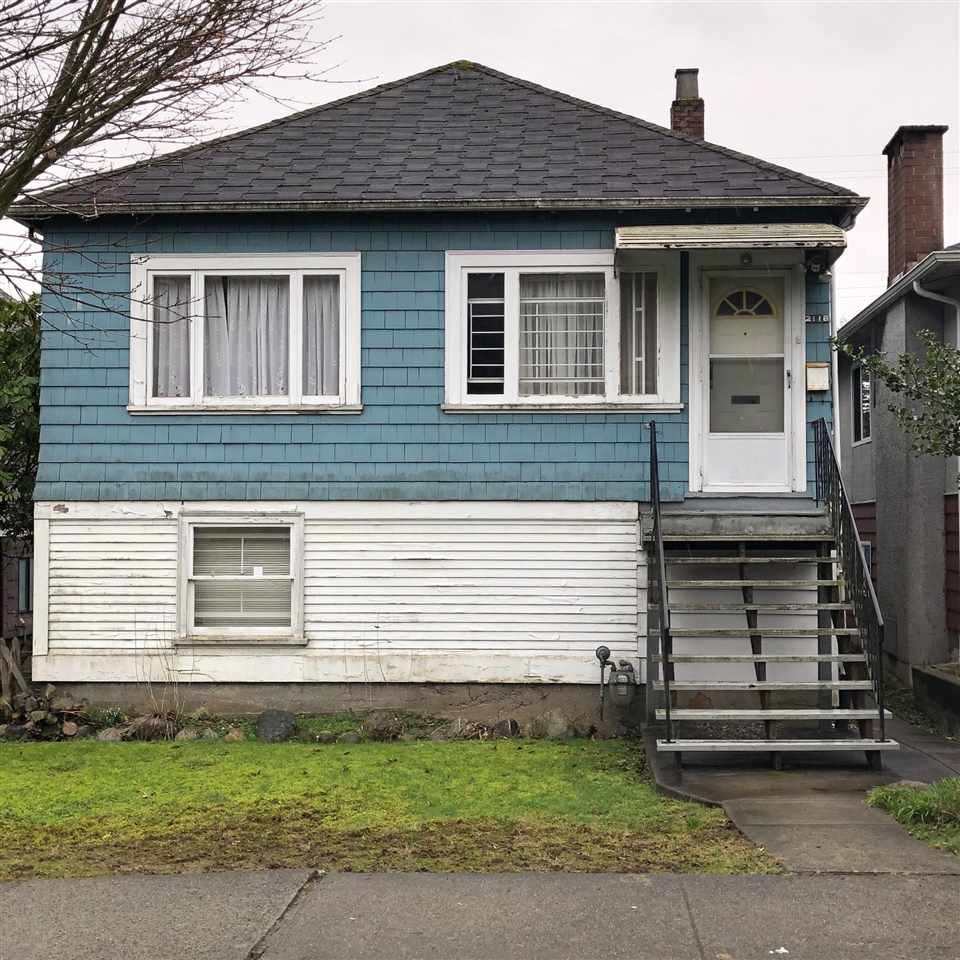 Main Photo: 2118 E 32ND Avenue in Vancouver: Victoria VE House for sale (Vancouver East)  : MLS®# R2244010